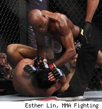 Anderson Silva knocks out Yushin Okami at UFC Rio.