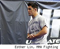 Dominick Cruz will defend his bantamweight title against Urijah Faber at UFC 132.