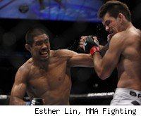 Mark Munoz defeats Demian Maia at UFC 131.