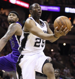 17649678-bkn-spurs-kings-eo-10-03_11_2011-306x324_medium