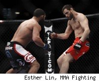 Johny Hendricks Knocks Out Jon Fitch at UFC 141.