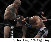Ross Pearson Beats Junior Assuncao at UFC 141.