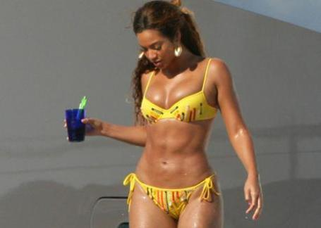 Beyonce_liposuction_medium