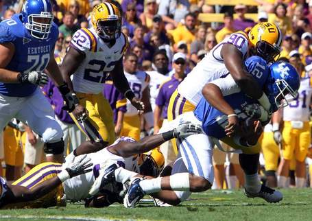 Kentucky_lsu_football_lalaf106