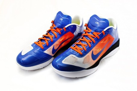 Nike-zoom-hyperfuse-2011-low-jeremy-lin-nike-id-1-600x400_medium