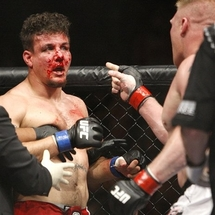 Ufc_100_lesnar_brock_frank_mir_10