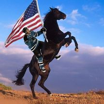 Pavelski_on_a_horse