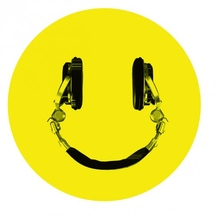 Happy_technics_headphones