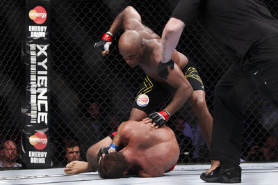 125_anderson_silva_vs_stephan_bonnar_gallery_post