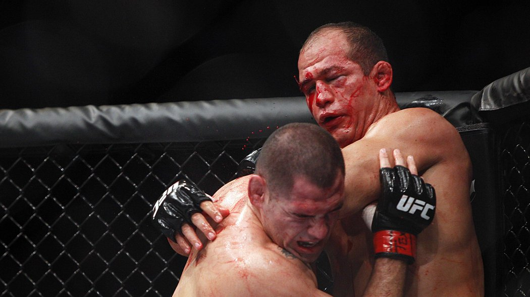 Throwing in the Towel on MMA Cornermen - Bloody Elbow