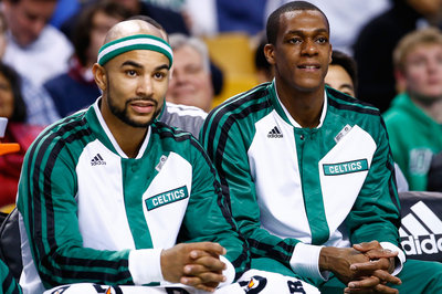 Jerryd Bayless, Rajon Rondo Shine Together As C's Cruise Past Hawks