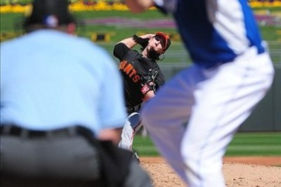 Tim Lincecum pitches three scoreless, Giants win 5-0