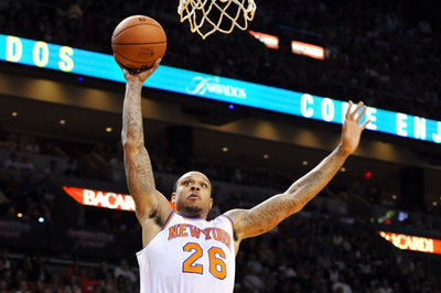 Shannon Brown stays, Earl Clark goes