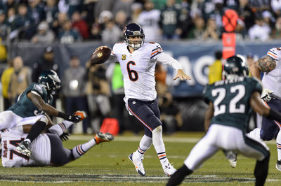 Chicago Bears restructure Jay Cutler's contract, create additional $4M cap space for 2014