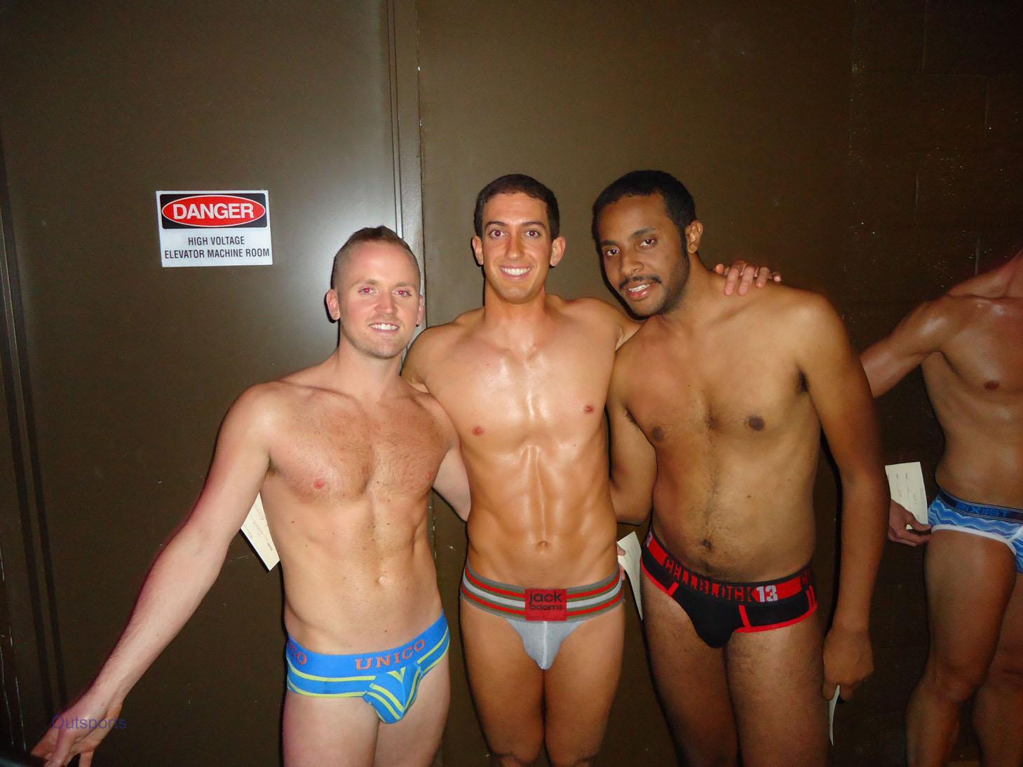 Bathroom gay muscle cock porn
