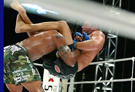 Ultimate Submissions Rampage Jackson Demonstrates His Triangle